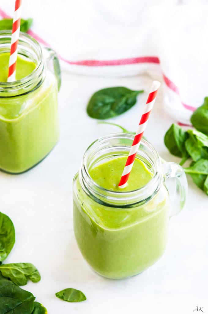 Green Superfood Coconut Smoothie | aberdeenskitchen.com