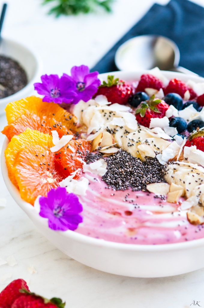 Berry Banana Smoothie Bowl | aberdeenskitchen.com