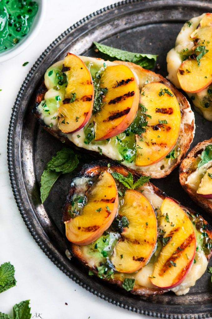 Grilled Peach and Brie Jalapeño Crostini | aberdeenskitchen.com