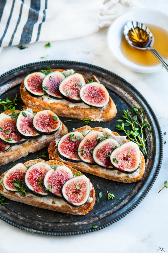 Fig Gorgonzola Bruschetta | aberdeenskitchen.com