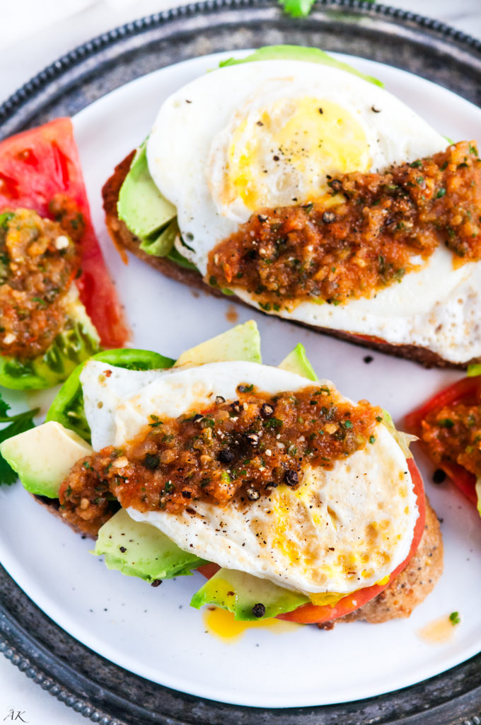 Healthy Tomato Avocado and Egg Breakfast Toast | aberdeenskitchen.com