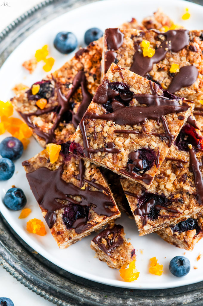 Baked Apricot Blueberry Oatmeal Bars | aberdeenskitchen.com