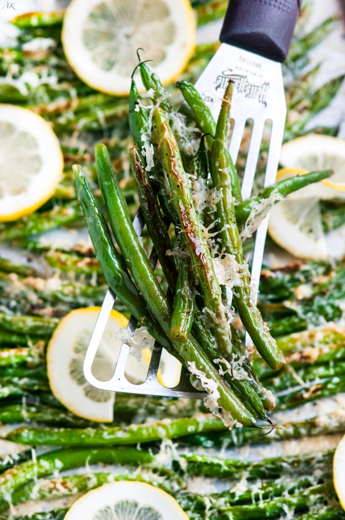 10 Minute Lemon Garlic Parmesan Green Beans | aberdeenskitchen.com