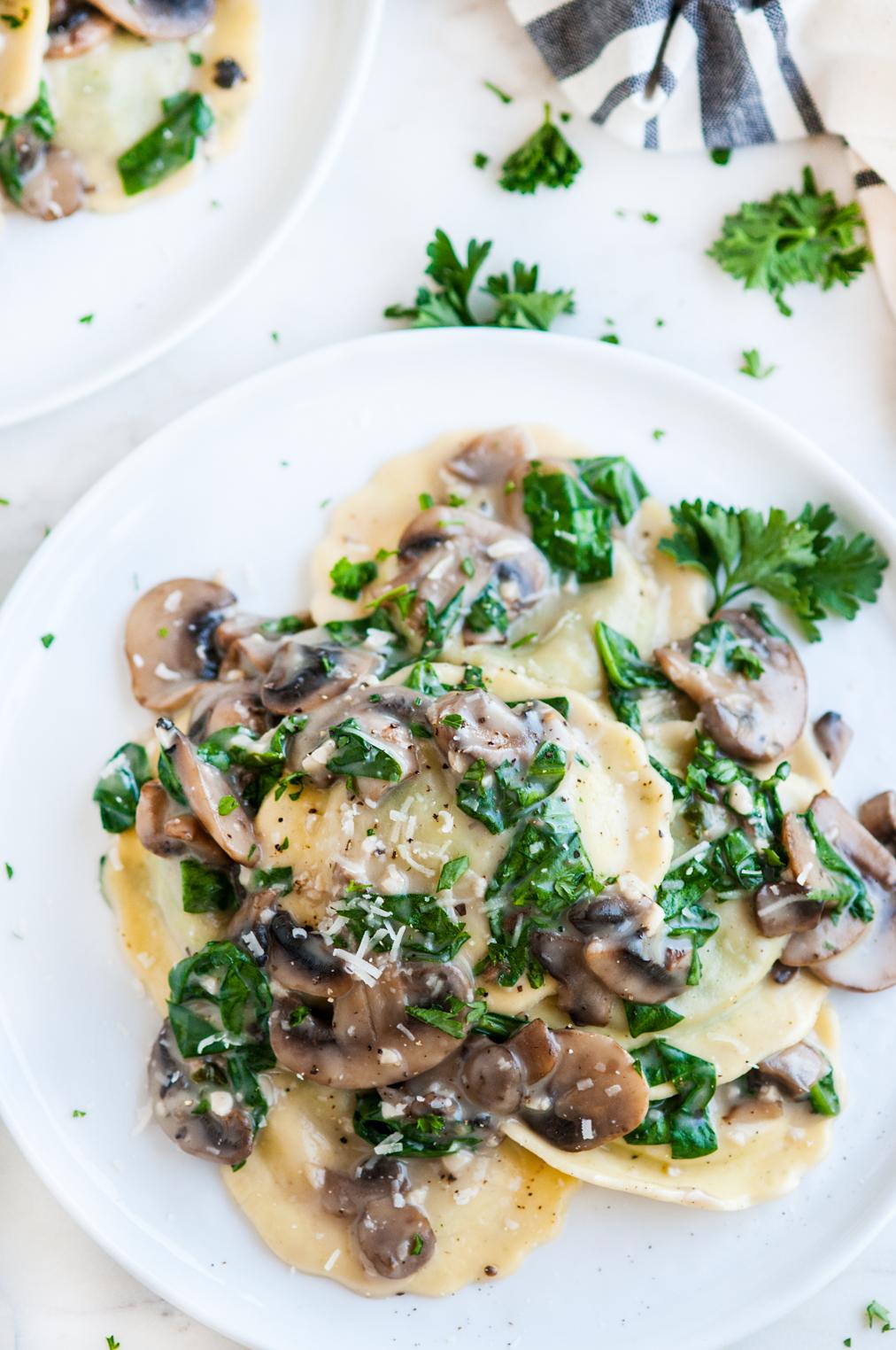 Creamy White Wine Mushroom Spinach Ravioli Aberdeen S Kitchen