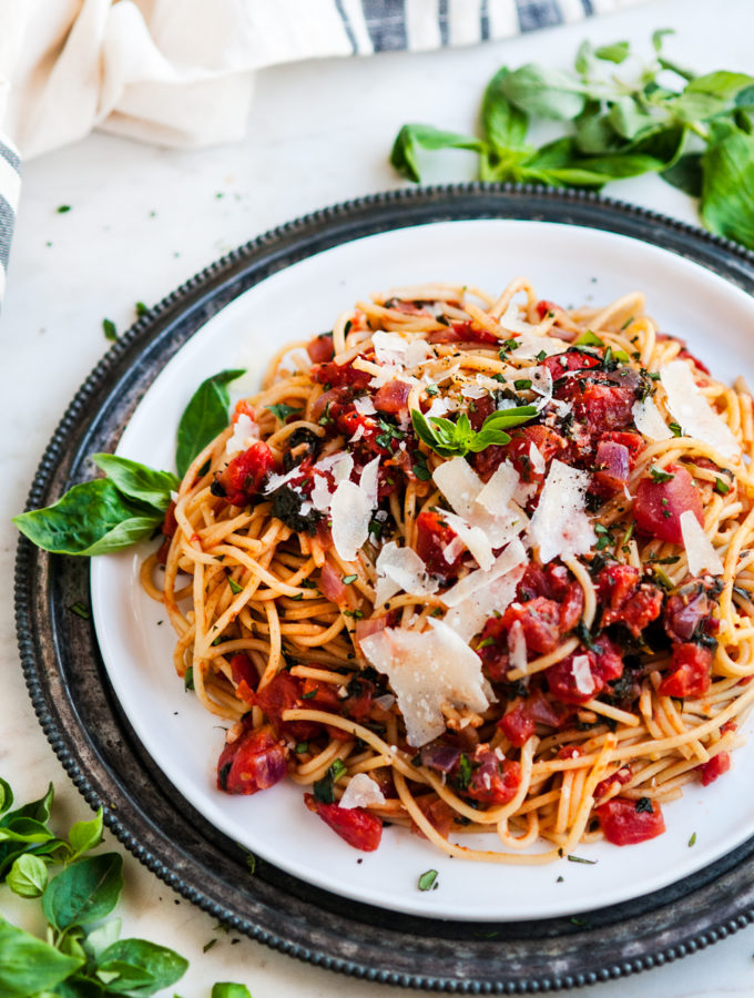 15 Minute Tomato Spinach Spaghetti