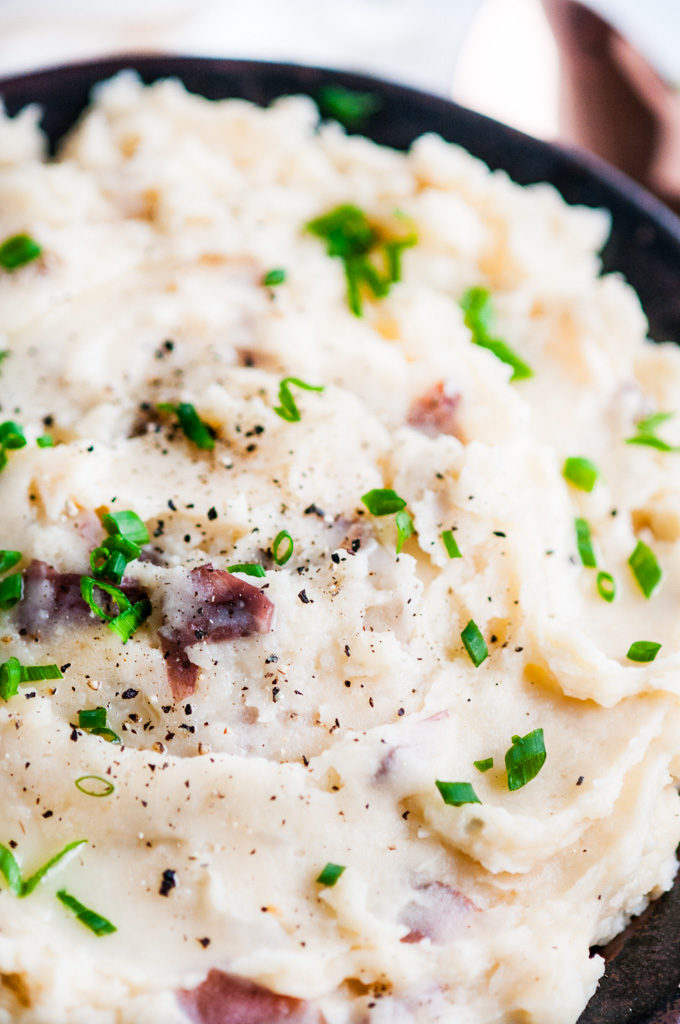 Cheesy Garlic Slow Cooker Mashed Potatoes | aberdeenskitchen.com
