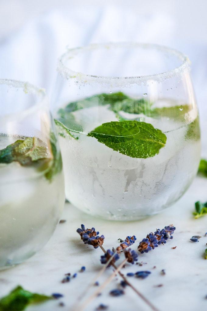 Lavender Mint Prosecco Spritzer | aberdeenskitchen.com
