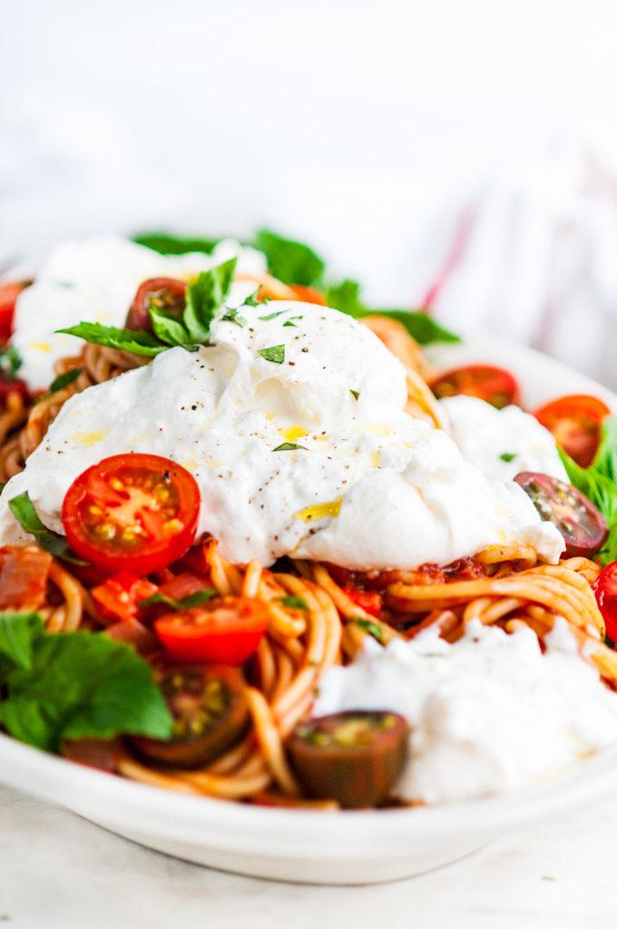 Tomato Basil Spaghetti with Burrata Close Up