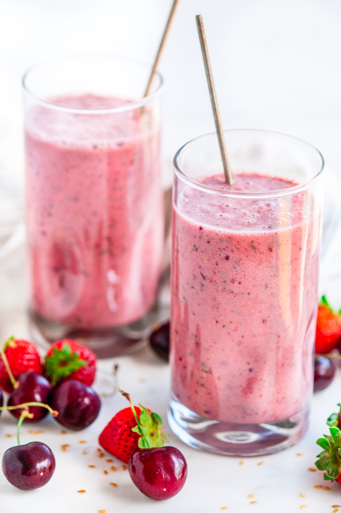 Summer Cherry Strawberry Smoothie Aberdeen S Kitchen