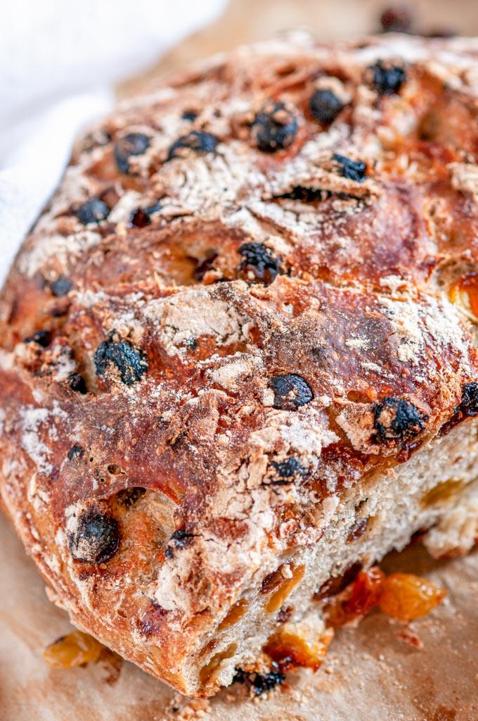 No Knead Cinnamon Raisin Bread loaf close up